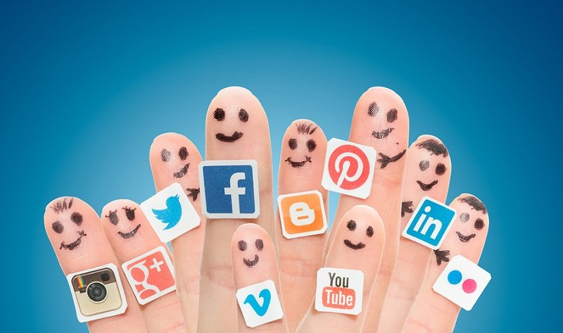 Finger-With-Popular-Social-Media